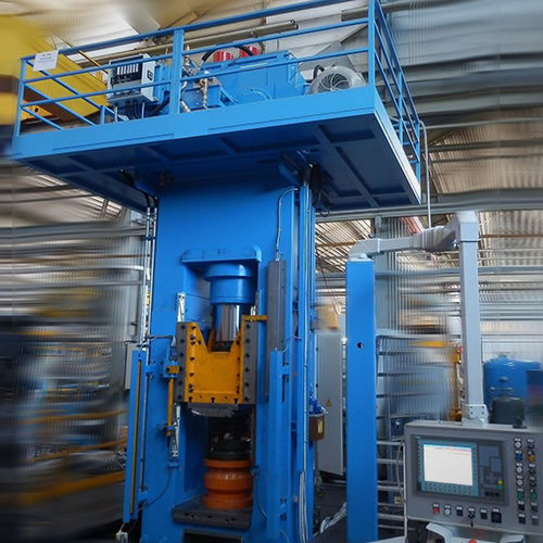 Prensa para embutir a temperatura ambiente materiales metálicos de diferente espesor