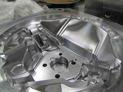 El material del molde y del troquel